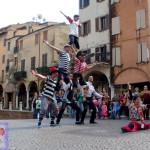 Famille De La Rue - Artisti di strada in piazza Erbe