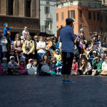 Famille De La Rue - Artista in Piazza Sordello