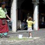 Famille De La Rue - Artista di strada bolle di sapone giganti
